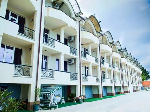 Снять квартиру в Ялте - Таунхаус в Ялте, Ливадия