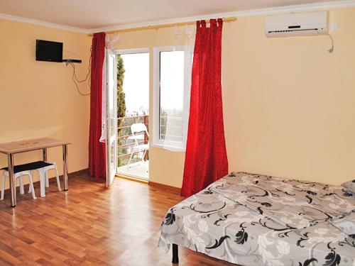 Снять квартиру в Ялте - Снять квартиру в Ялте, рядом с Набережной, ул. Дмитриева