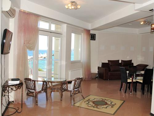 Снять квартиру в Ялте - Снять квартиру в Ялте, Рядом с Набережной, ул. Игнатенко