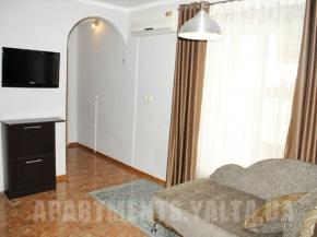 Снять квартиру в Ялте - Квартира в Ялте, ул. Свердлова