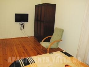 Снять квартиру в Ялте - Дом в Ялте, в Ливадии