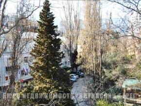 Снять квартиру в Ялте - Снять квартиру в Ялте, Рядом с Набережной ул. Киевская