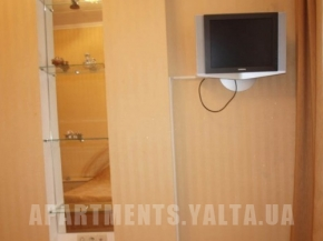 Снять квартиру в Ялте - пер. Черноморский